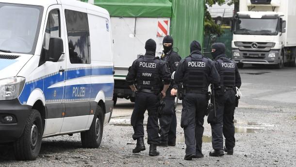 Großrazzia der Polizei gegen Geldwäsche