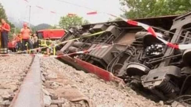 Ein Toter bei Zugunglück im Kanton Wallis