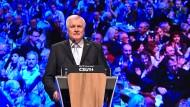 Horst Seehofer gegen alle: Der CSU-Chef geht in Opposition zu seiner eigenen Fraktion.