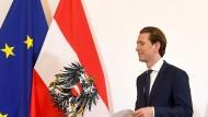 Sebastian Kurz, Bundeskanzler von Österreich, kommt zu einer Pressekonferenz nach einem Treffen mit den Spitzen der Parlamentsparteien