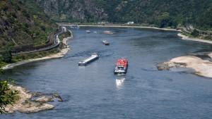 Rheins Wasserstand bewegt sich auf Rekordtief zu