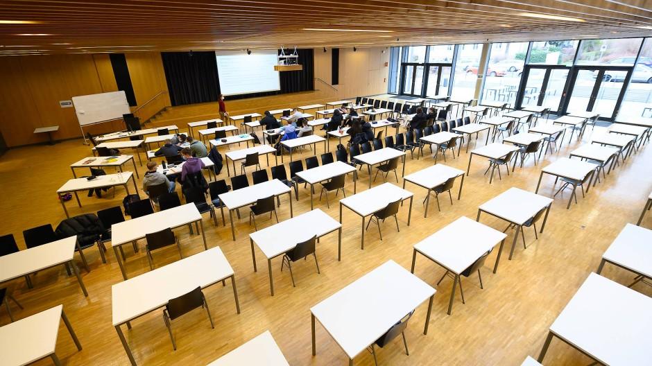 Verschoben: Vorerst wird es keinen Wechselunterricht in der Mittelstufe in Hessen geben