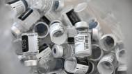Pfizer verringert kurzfristig die Lieferungen von Impfstoff seines deutschen Kooperationspartners Biontech an Deutschland und weitere europäische Staaten.