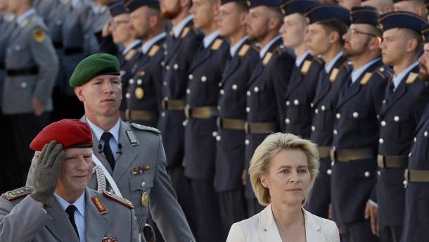 Vereidigungsfeier zum Gedenken gescheitertes Hitler-Attentat