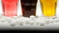 Immer mehr Menschen leiden in Deutschland unter Übergewicht und Mangelernährung.