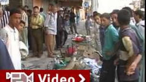 Dutzende Tote bei Anschlägen