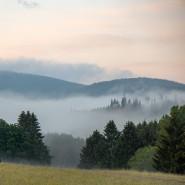 Taunus-Idyll: Rund um Schmitten zeigt sich das Mittelgebirge von seiner schönsten Seite. Trotzdem muss auch diese Region um Urlaubsgäste werben.