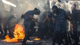 Demonstranten stürmen Ministerien in Beirut