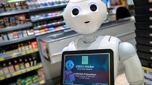 Roboter hält Edeka-Kunden auf Abstand