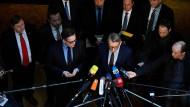 Offene Fragen: Armin Schuster nach der Sitzung des Parlamentarischen Kontrollgremiums