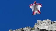 Maßgeschneiderte Wingsuits für den puren Nervenkitzel