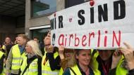 Protest: Tausende Air-Berlin-Mitarbeiter bangen um ihre Zukunft