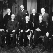 30. März 1930: Das neue Präsidialkabinett unter Heinrich Brüning (mittig) von der Zentrumspartei.