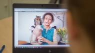 Digitale Lesung: Kinderbuchautorin Martina Baumbach präsentierte ihrem jungen Publikum auch das Zwergschwein Melusine.