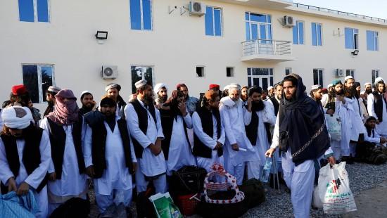 Afghanische Regierung lässt 900 Taliban frei