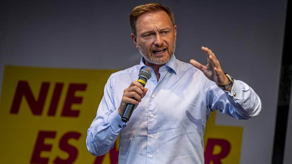 Christian Lindner, Parteivorsitzender der FDP, hat eine harte Haltung in möglichen Verhandlungen über eine Regierungsbildung angekündigt.