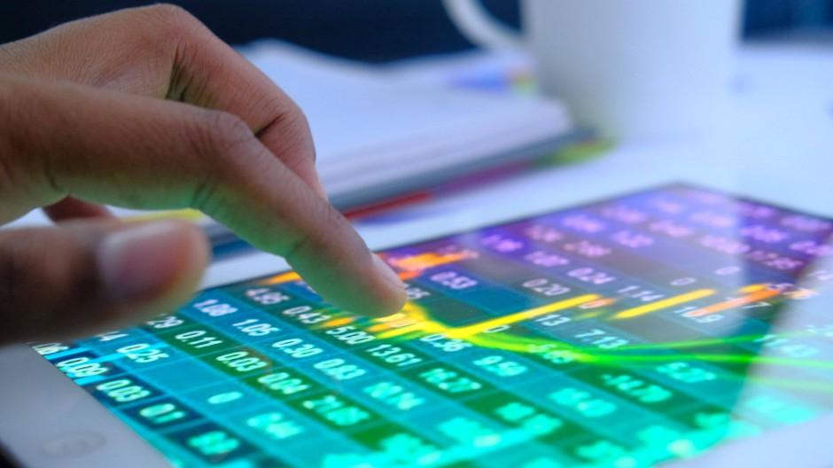Die Zahl der Digital-Skeptiker in den Unternehmen geht zurück.