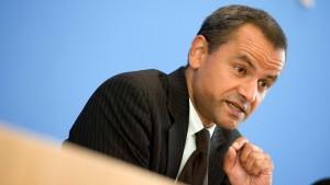 Bundestag sucht Edathys Diplomatenpass