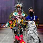 Der belgische Designer Tom van der Borght eröffnet die Mercedes-Benz Fashion Week.