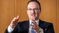 Lars Feld ist Direktor des Walter-Eucken-Instituts Freiburg und Mitglied der Wirtschaftsweisen.