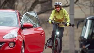 Wann Autofahrer für Sturz von Radfahrern verantwortlich sind