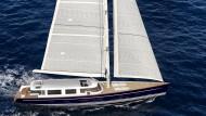 Segelnder Luxus: Die 130 Tonnen schwere und 36 Meter lange Dahm 120 kostet 12,5 Millionen Euro.