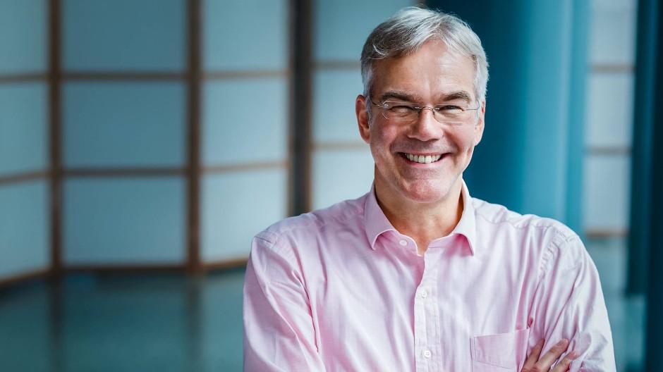 Pilotprojekt für einen besseren Einsatz von Medikamenten: Prof. Jürgen Osterbring