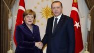 Merkel und Erdogan im Februar 2016. Diesen Donnerstag trifft die Kanzlerin wieder den türkischen Präsidenten. Die Erwartungen sind hoch.