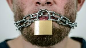 """""""Die Einschränkung der Redefreiheit sehe ich mit Besorgnis"""""""