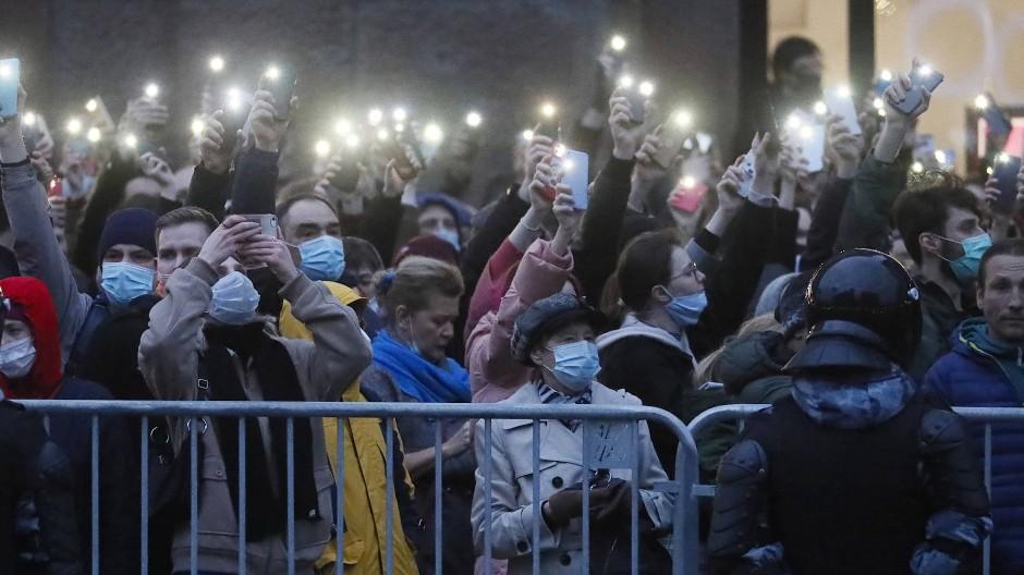 Demonstranten für Nawalnyj am Mittwochabend in Moskau
