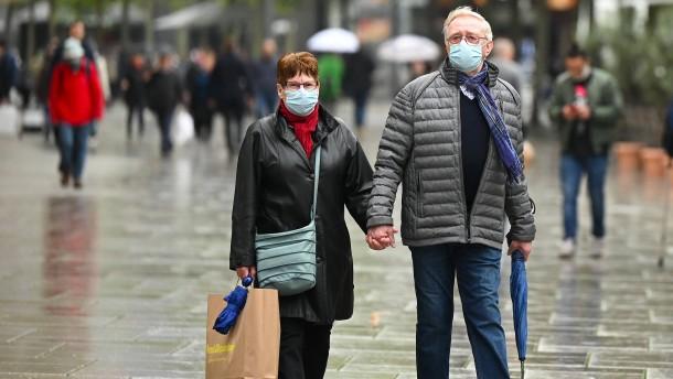 Maskenpflicht auch auf der Straße