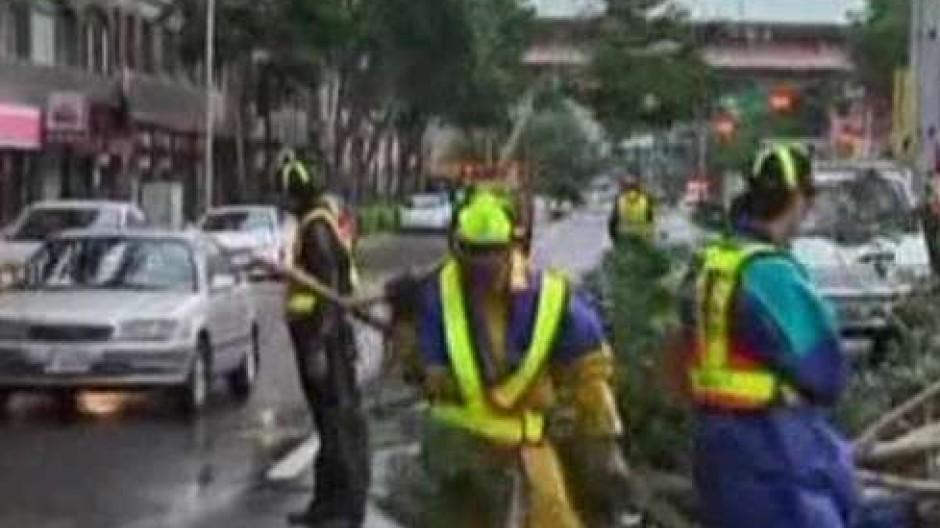 Taifun hinterlässt schwere Verwüstungen