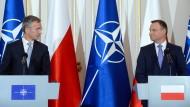 Einig: Nato-Generalsekretär Jens Stoltenberg und Polens Präsident Andrzej Duda in Warschau
