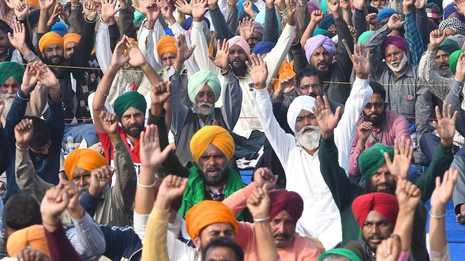 Indische Farmer protestieren in Neu-Delhi