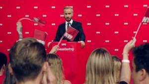 Jan Böhmermann kann in SPD eintreten