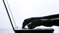 Persönliche Daten können gerade wegen der Datenschutzgrundverordnung leicht an Dritte gelangen.