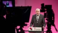 Horst Seehofer verteidigt die föderale Ordnung.