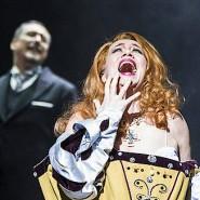 Sie verbindet Koketterie mit aristokratischer Grandezza: Die Sopranistin Ana Durlovski als Marguerite de Valois.