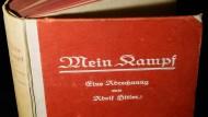 """Hitlers """"Mein Kampf"""" soll nun doch nicht in einer kommentierten Fassung erscheinen"""