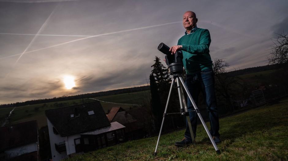 Wo aus Ufos Wetterballons werden: Hansjürgen Köhler hat den Himmel im Blick.