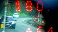 Vorsicht, Blitzer: Den Ärger für den Fahrer lösen nun Anwälte eines Start-up-Unternehmens.