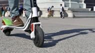 Startbereit: Schon bald werden in Frankfurt E-Scooter zum Verleih angeboten, auch vom amerikanischen Unternehmen Lime.