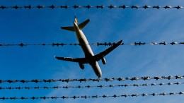 Syrer verhindert mit Nagelfeile Abschiebung