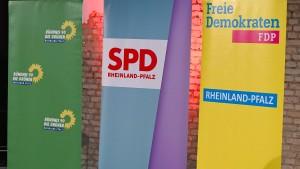Parteien in Rheinland-Pfalz stimmen Koalitionsvertrag zu