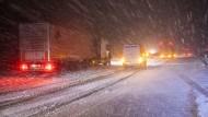 An der Ausfahrt Siebenlehn brach der Verkehr komplett zusammen. Die Autobahn wurde gegen 23 Uhr komplett gesperrt.