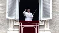 Symbolik der Bescheidenheit: Franziskus im Februar beim Angelusgebet
