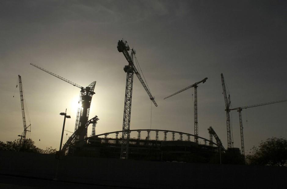 Kontroverse um WM-Austragung: Immer wieder wird Qatar wegen Ausbeutung von Arbeitern kritisiert.