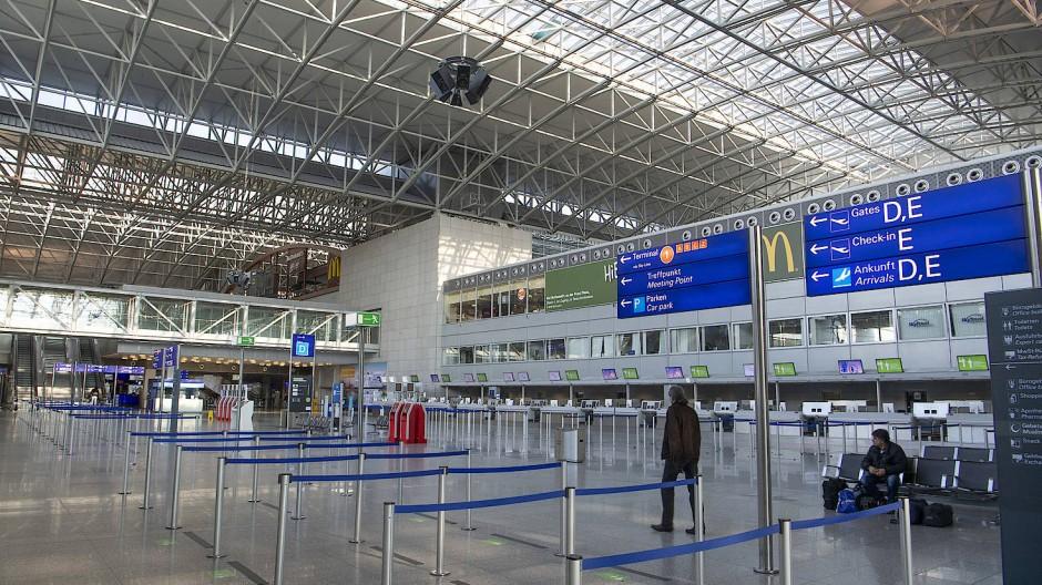 Leere Hallen und Landebahnen: Frankfurt nutzt die Verkehrsflaute für Wartungsarbeiten (Symbolbild).