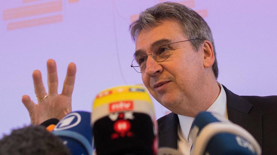 Bekommt durch das neue Gesetz deutlich schärfere Mittel zum Vorgehen gegen Plattformen: Andreas Mundt, Präsident des Bundeskartellamts.