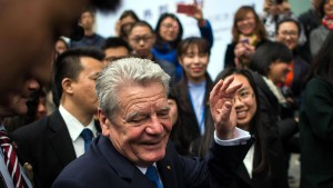 Gauck kritisiert China wegen Verletzung der Menschenrechte